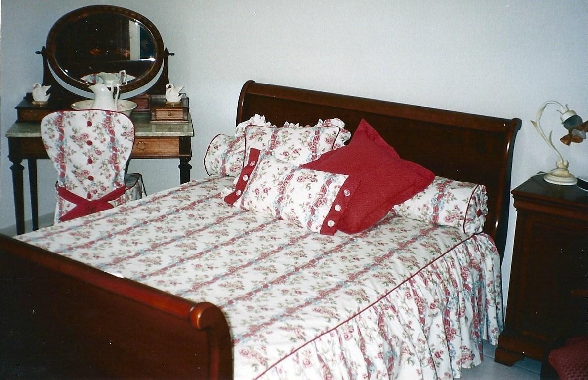couturi re tapissier d corateur couture d 39 ameublement bordeaux jet s ou dessus de lit gironde. Black Bedroom Furniture Sets. Home Design Ideas