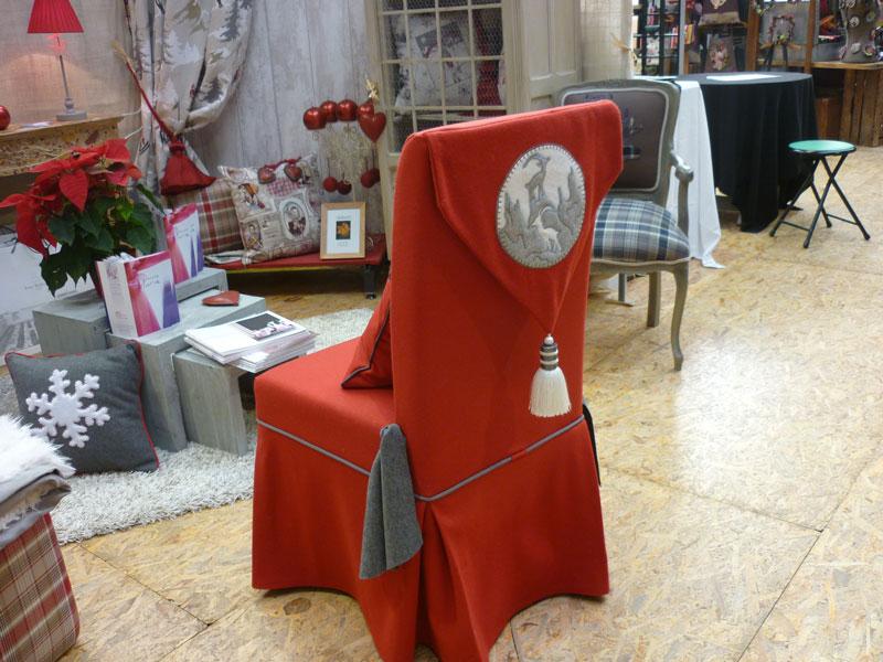 Couturi re tapissier d corateur couture d 39 ameublement for Housse de chaise grise