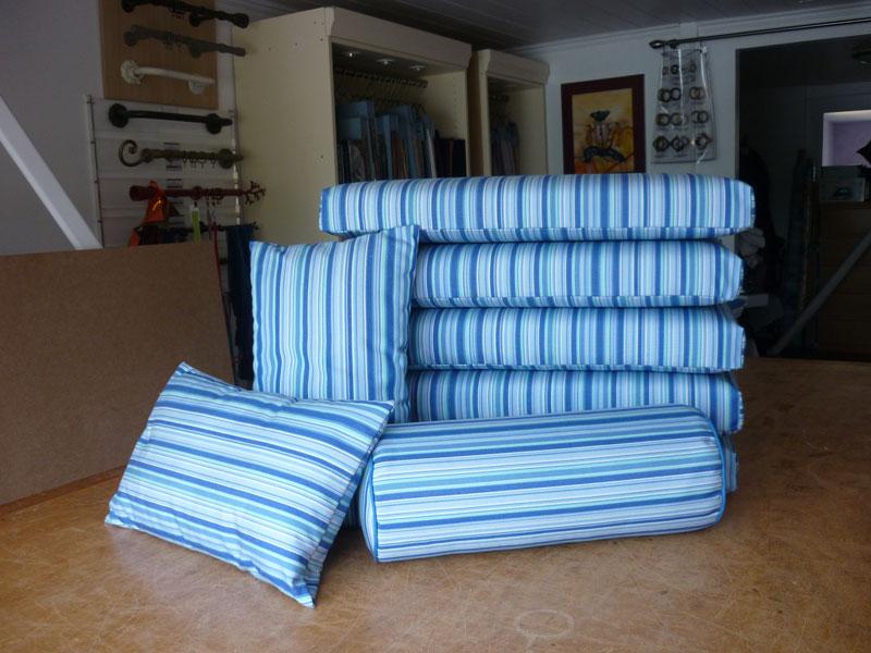 Couturi re tapissier d corateur couture d 39 ameublement - Tissu impermeable pour coussin exterieur ...