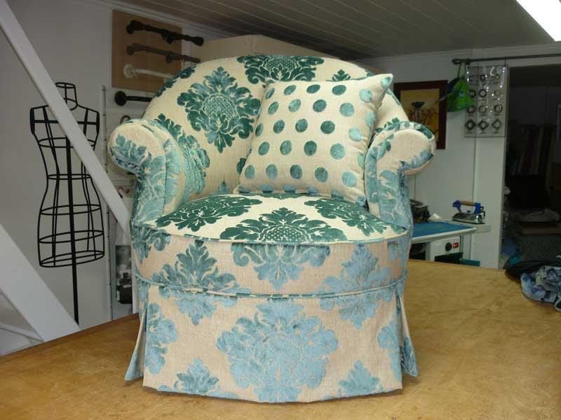 Couturi re tapissier d corateur couture d 39 ameublement bordeaux r fection - Tissus style anglais ...