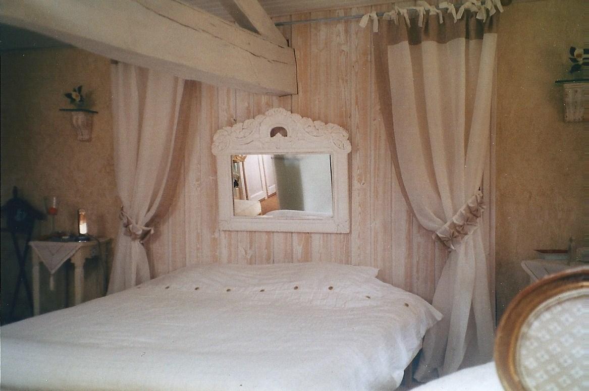 couturi re tapissier d corateur couture d 39 ameublement. Black Bedroom Furniture Sets. Home Design Ideas